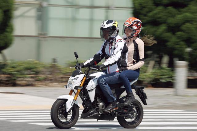 画像: カワサキ「Z125 PRO」タンデム・チェック
