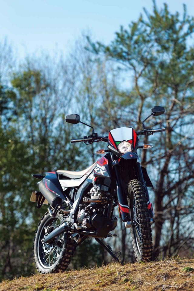 画像1: アプリリア「RX125」(2020年)解説&インプレッション|原付二種で本格的なオフロード走行を楽しめる希少なバイク