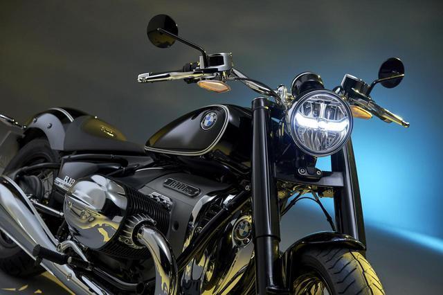 画像: BMWの新型クルーザー「R18」が正式発表!1800ccの史上最大ビッグボクサーエンジンの詳細が明らかに! - webオートバイ
