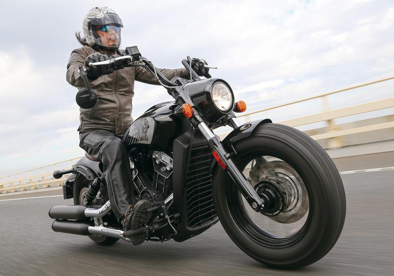 画像: 〈試乗インプレ〉インディアン「スカウト ボバー トゥエンティ」クイックな走りも楽しめる、見た目以上に扱いやすいクラシック・ボバー - webオートバイ