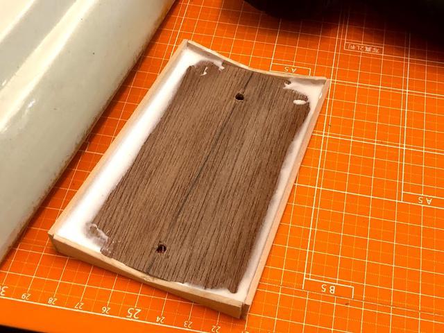 画像: 木工ボンドをどぼどぼに塗ります。これくらい塗ればさすがに強度もあがるでしょ。
