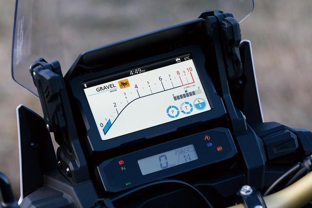 画像2: バイクの最新技術・新機能を解説!|ホンダ「CRF1100Lアフリカツイン アドベンチャースポーツ ES/DCT」が搭載するハイテク装備【現代バイク用語の基礎知識】