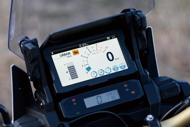 画像3: バイクの最新技術・新機能を解説!|ホンダ「CRF1100Lアフリカツイン アドベンチャースポーツ ES/DCT」が搭載するハイテク装備【現代バイク用語の基礎知識】