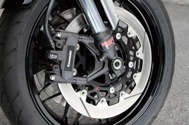 画像1: 前後ディスクブレーキはサンスター製に変更(上記のZ900RS も)。フロントのディスク径はφ 320。