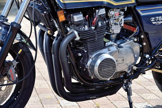 画像: エンジンはZ750FXからカムを変更した程度で、あとはメンテナンス重視の仕様。フレームはあとからサーキットを走りたくなった場合にもすぐ対応出来るようにとあらかじめ8カ所を補強し、メタルコーティングランナーでRXコート仕上げされている。