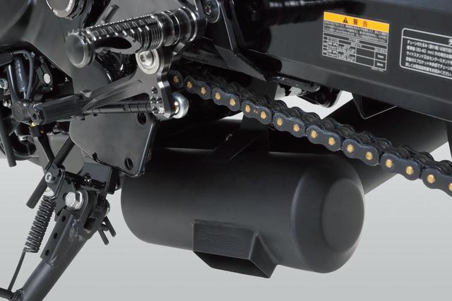 画像: 近接騒音は95dB/4250rpm、加速走行騒音81dBでJMCA認証品。ノーマルECUセッティングで使える設計だ。ほかにも80年代を彷彿させるSlip-Onサイクロン BREVIS(6万円~)、90-00年代的なSlip-OnR77-Sサイクロン EXPORT SPEC(7万4000円~)、最新形状のSlip-On R11サイクロン 1エンドEXPORT SPEC(9万円~)などの排気系がラインナップされる。