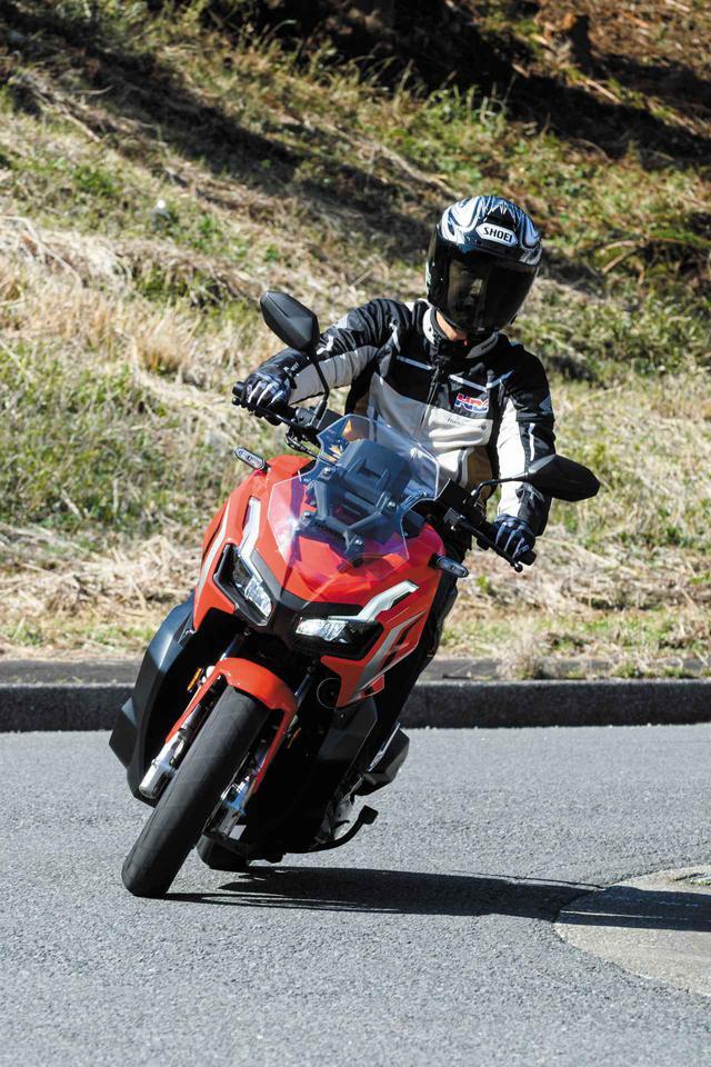 画像1: 伊藤真一さんがホンダ「ADV150」を徹底インプレ! 街中・ワインディング・高速道路を2日間試乗して、PCX150とも比較!【ロングラン研究所】