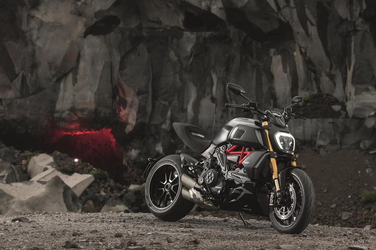 画像: DUCATIの第2世代「ディアベル」は走行性能が大幅進化!? - webオートバイ
