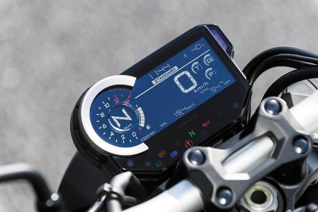 画像: 液晶メーターには、自動調光バックライトや8色のマルチカラーラインインジケーターなどを備えている。