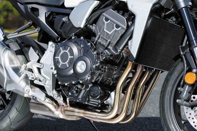 画像: エンジンはSSのCBR1000RR(SC77、2017年~)用をベースに、低中速トルク寄りにチューン。