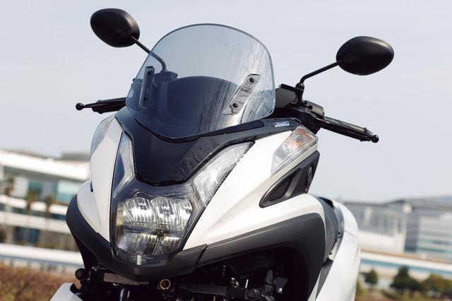 画像: ヘッドライトは兄貴分の155と同様となり、フルLED化を果たしている。LEDポジションランプは前モデルより継承。