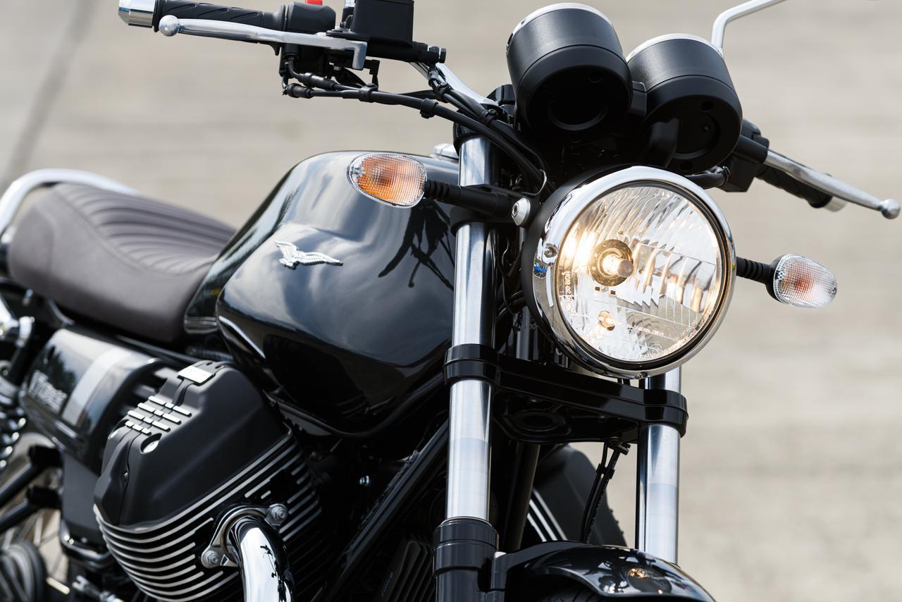 画像1: モト・グッツィの魅力全開! 古き良き70年代のデザインを蘇らせた「V7 III スペシャル」が新発売 - webオートバイ