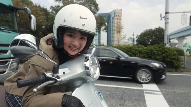 """画像: 思ってたのと違う! 平嶋夏海が """"ベスパ""""で、お台場ツーリング! youtu.be"""
