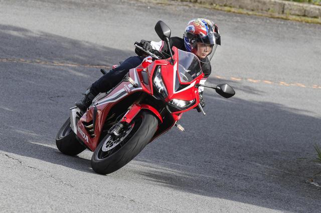 画像3: 平嶋夏海 × ホンダ「CBR650R」【オートバイ女子部のフォトアルバム】