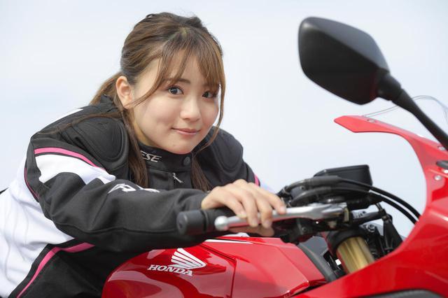 画像1: 平嶋夏海 × ホンダ「CBR650R」【オートバイ女子部のフォトアルバム】