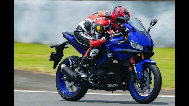 画像: 【最高速】ヤマハ YZF-R25(2019年モデル)で、大関さおりが最高速チャレンジ! www.youtube.com