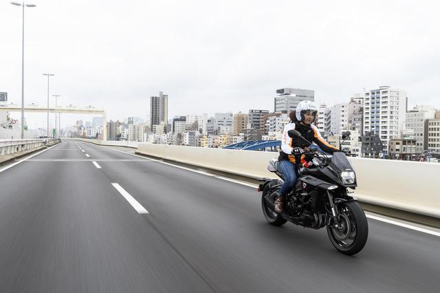 画像6: 大関さおり × スズキ「KATANA」【オートバイ女子部のフォトアルバム】
