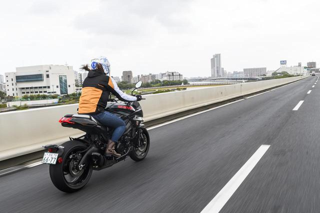 画像2: 大関さおり × スズキ「KATANA」【オートバイ女子部のフォトアルバム】