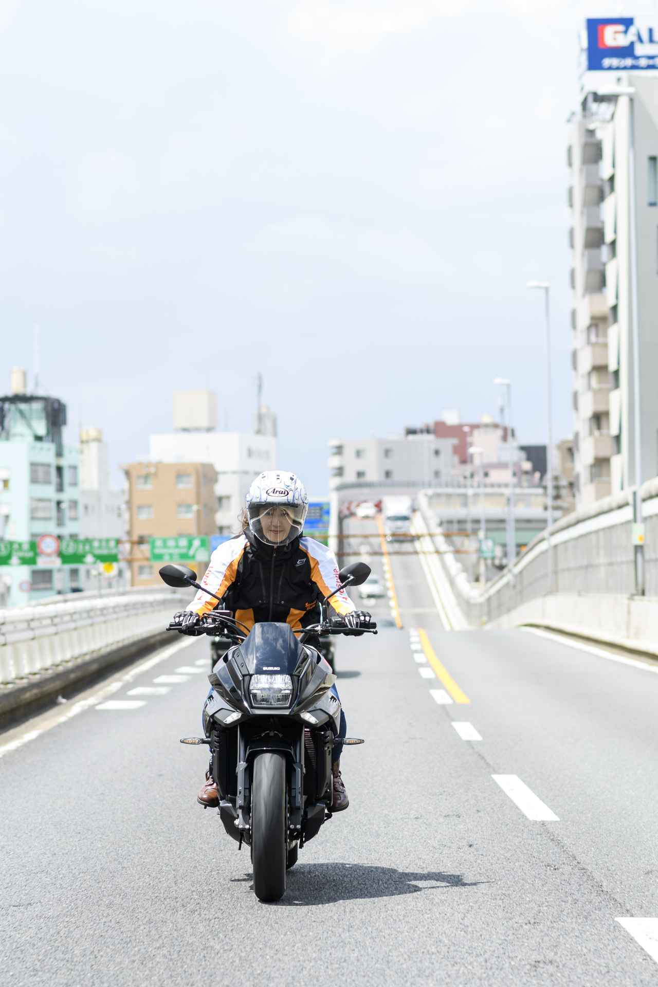 Images : 19番目の画像 - 大関さおり × スズキ「KATANA」 - LAWRENCE - Motorcycle x Cars + α = Your Life.