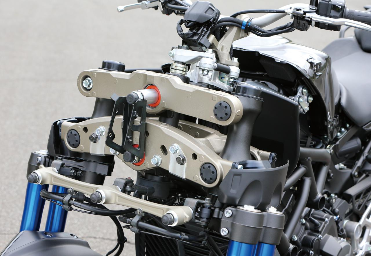 Images : 1番目の画像 - 「バイクの新機構「パラレログラムリンク」とは? トリシティやナイケンなどヤマハの前2輪モデルに採用される革新装備【現代バイク用語の基礎知識2020】」のアルバム - webオートバイ