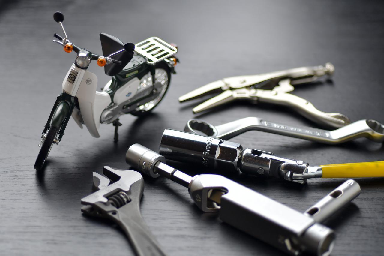 画像: ホンダSUPER CUB50/70/90の工具を考える ツーリングで役立つ車載工具編 - webオートバイ