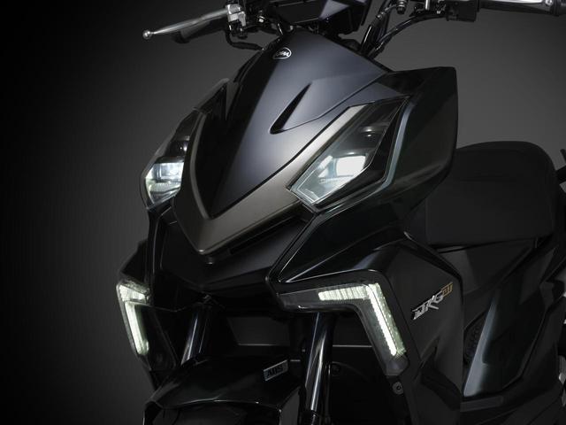"""画像: 【新車】""""ドラゴン""""をモチーフにしたSYMの新型150ccスクーター「DRG BT」がいよいよ日本上陸! - webオートバイ"""