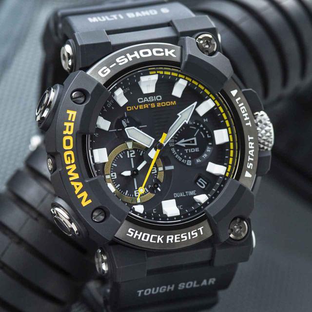 画像: G-SHOCKのダイバーズウオッチ「フロッグマン」からバイク乗りにも人気の〈アナログ〉モデルが初めて登場! メンテ不要のタフネス電波ソーラー腕時計 - webオートバイ