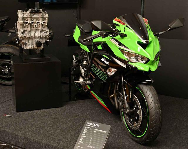 画像: カワサキ「Ninja ZX-25R」の250cc・4気筒エンジンの秘密。エンジン単体展示から見えてきたことを総まとめ! - webオートバイ