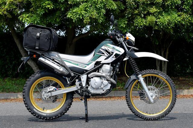画像: SEROW250+IGAYAキャンプツーリングシートバッグ(50L)