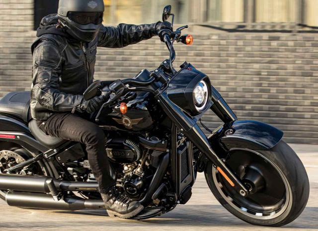 画像: 『ターミネーター2』でも話題となったハーレーダビッドソン「ファットボーイ」の30周年記念モデルが登場! - webオートバイ