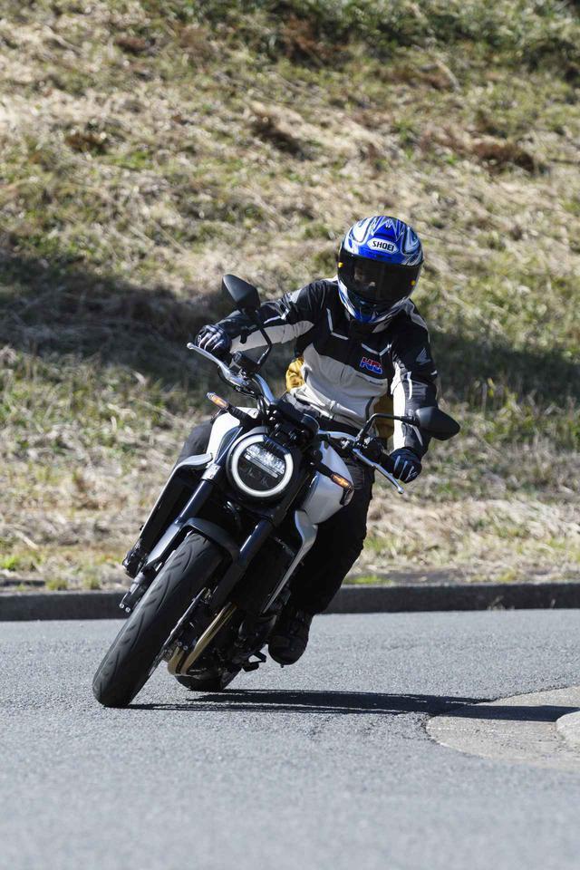 画像2: 伊藤真一さんがお気に入りのバイクを2年ぶりにチェック! ホンダ CB1000R(2020年)試乗インプレ【ロングラン研究所】