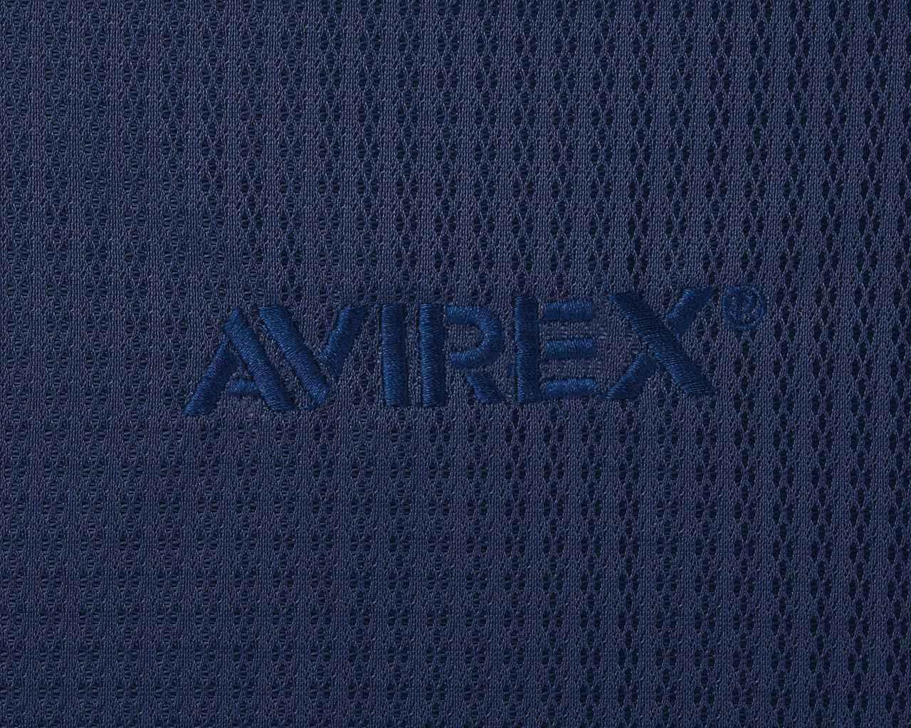 画像: 通気性のいいポリエステルメッシュをメイン素材に採用。首元にAVIREXロゴの刺繍がさりげなく入っています。