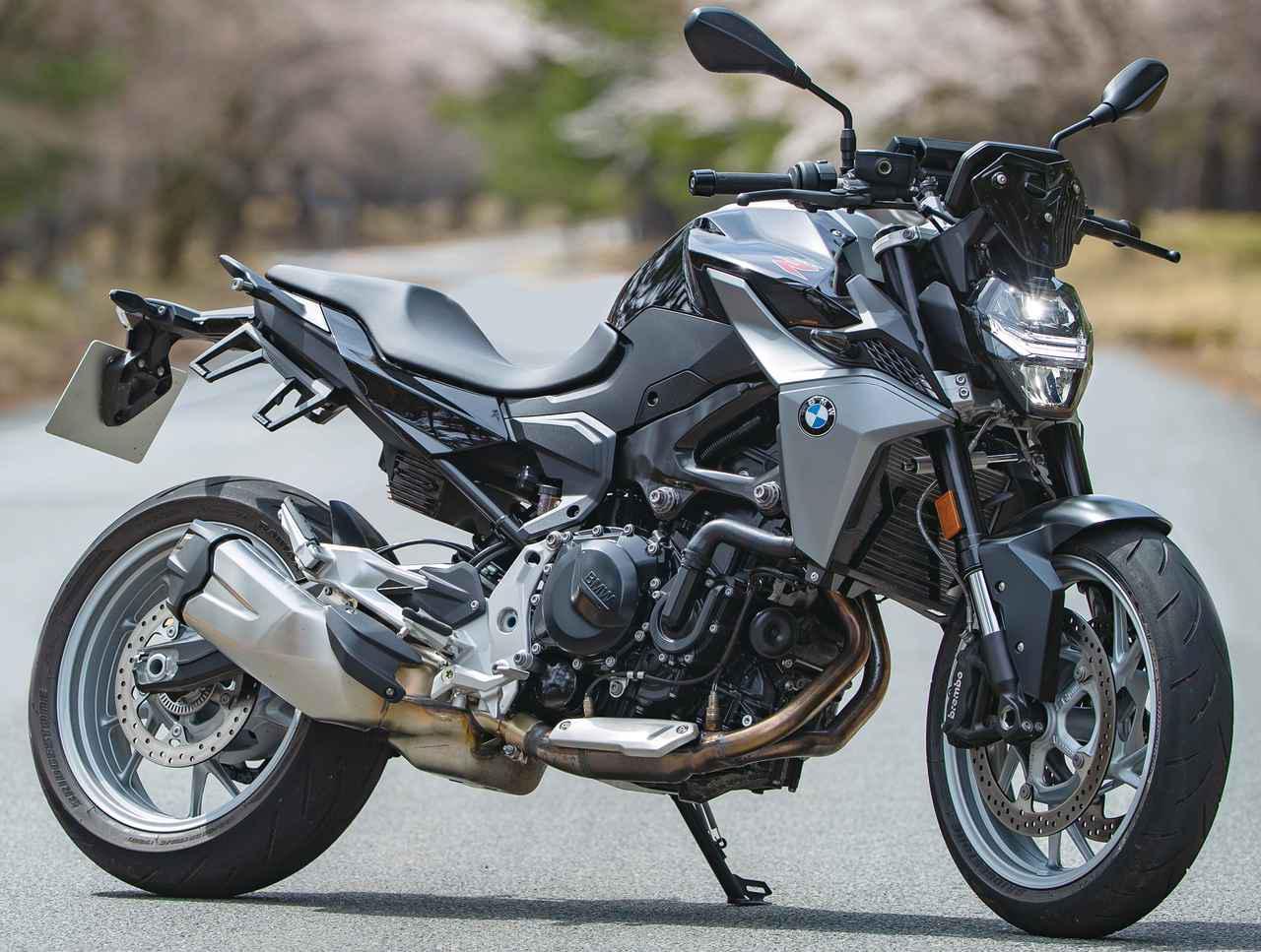 画像: BMW F900R 総排気量:894cc 最高出力:105PS/8750rpm 最大トルク:9.38㎏-m/6500rpm 税込価格:105万7000円(ベース)〜133万3000円(プレミアム・ライン)
