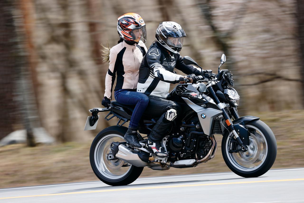 画像: BMW F900R タンデム〈2人乗り〉チェック(木川田ステラ)