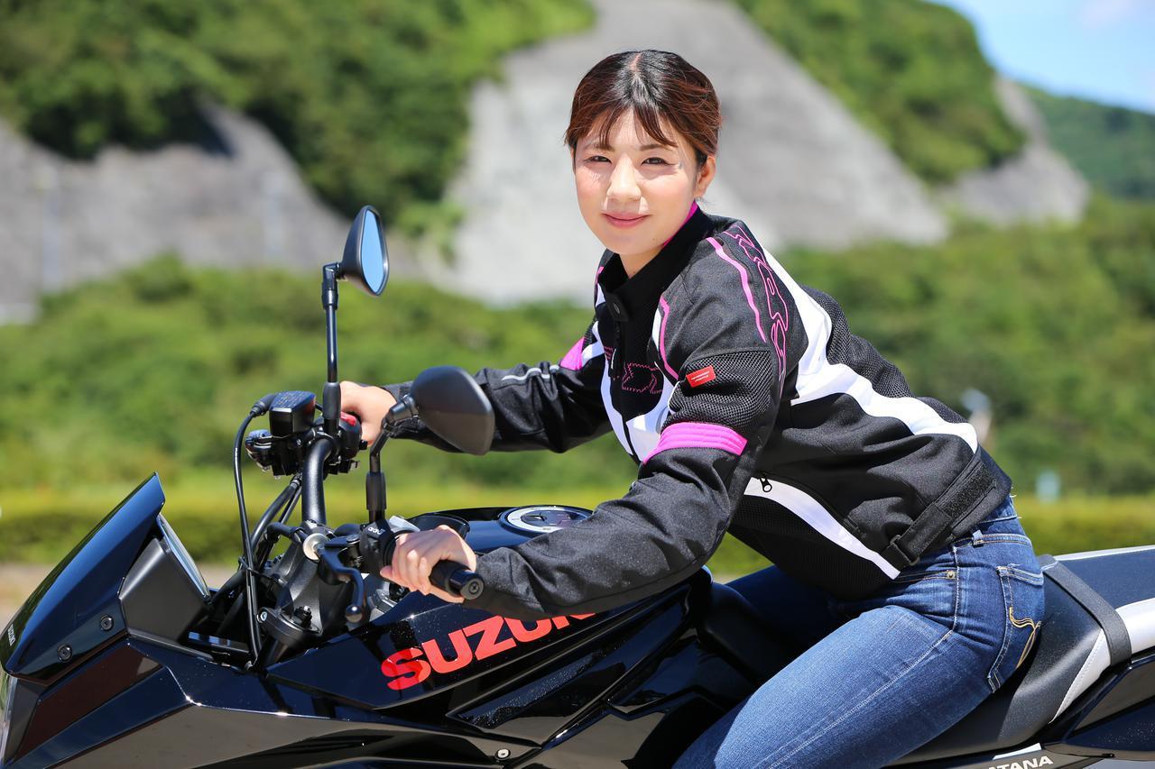 画像8: 梅本まどか × スズキ「KATANA」 足つき性もチェック!【オートバイ女子部のフォトアルバム】
