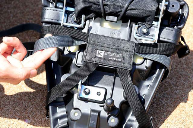 画像: リアシートにKシステムベルトを装着。