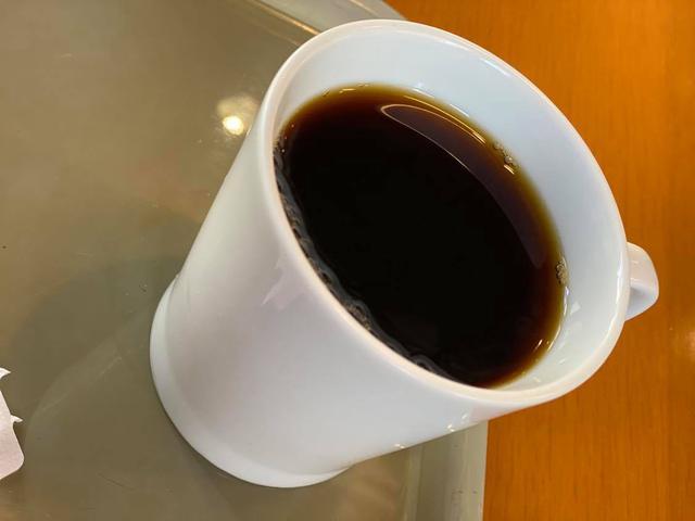 画像: えと、サンドウィッチとホットコーヒーを、って頼むと「それならセットの方がお得ですよ」って教えてくれる店はだいたいサイコーの店、って決まってます^^