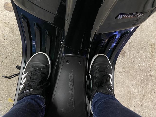 画像: 実際に足を置くとこんな感じです。