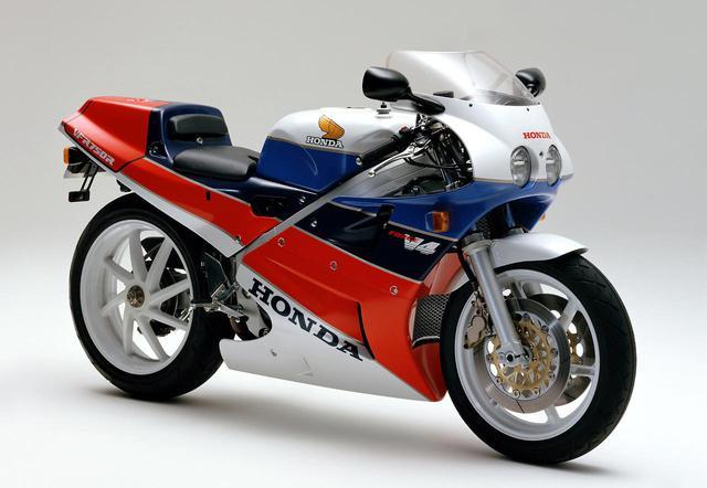 画像: ホンダ VFR750R (RC30) 1987 年8 月31日発売/販売計画台数 1000 台/販売当時の価格 148 万円