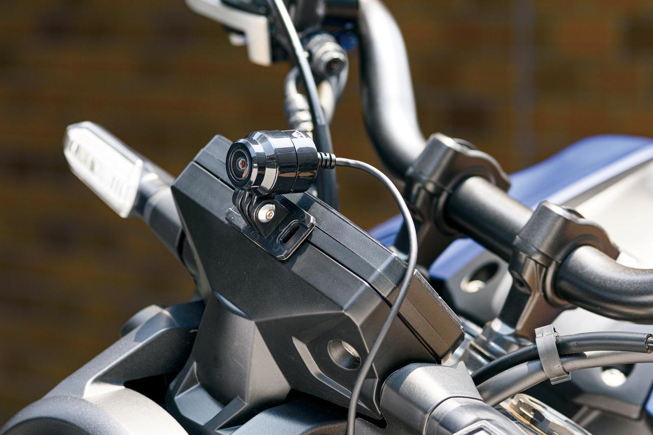 画像: 人気の2カメラタイプの新作ドライブレコーダーは、フルハイビジョン画質で前後同時録画!