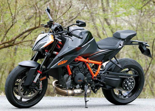 画像: KTM 1290 SUPER DUKE R 総排気量:1301cc 最高出力:180PS/9500rpm/最大トルク:14.3㎏-m/8000rpm メーカー希望小売価格:税込217万9000円