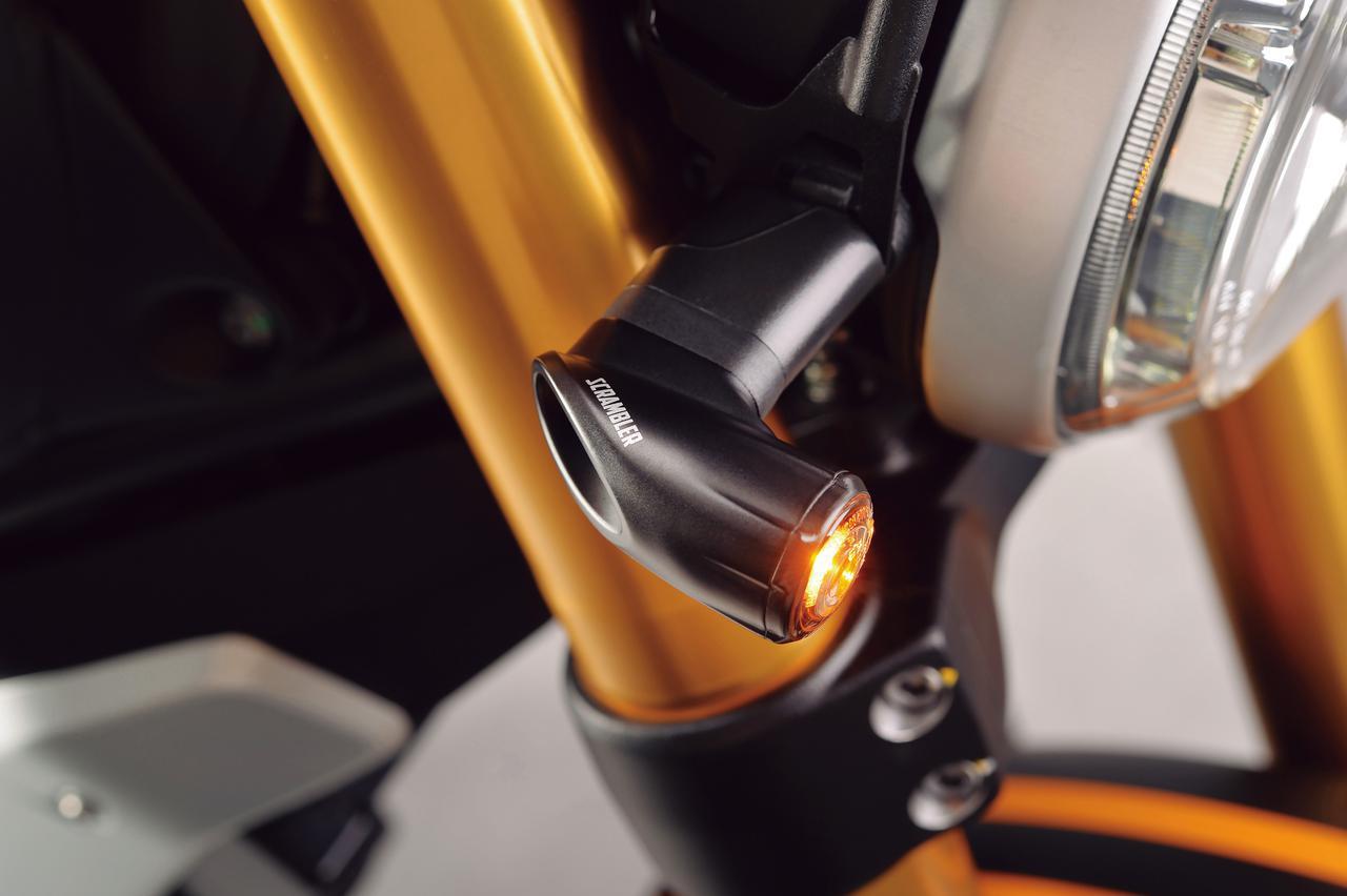 画像2: LED ターンインジケーターセット■2万4321円 LED ターンインジケーター用アダプター■2110円