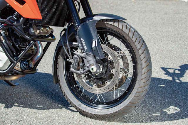 画像: XTはスポークホイールが標準装備。ブレーキ径は310㎜で、ブレーキキャリパーはトキコのラジアルマウントキャリパー。