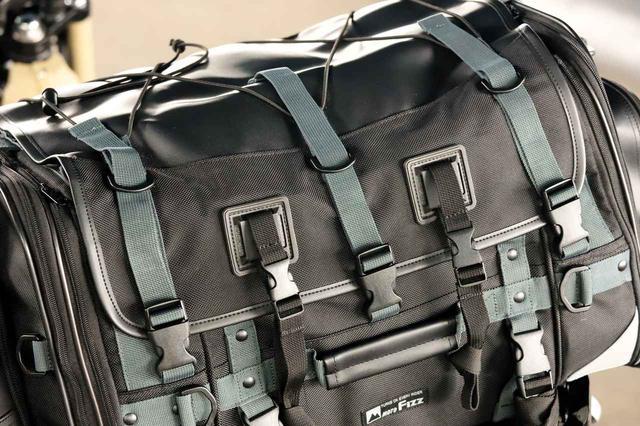 画像8: キャンプライダーを支え続ける伝統の「キャンピングシートバッグ2」