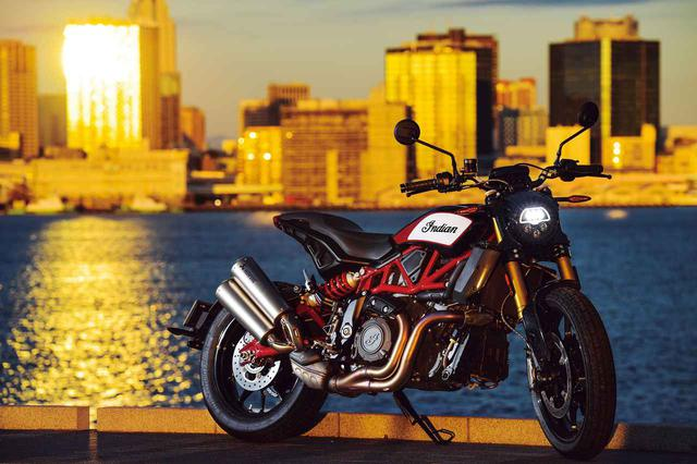 画像: 〈試乗インプレ〉インディアン「FTR1200S レースレプリカ」勝利と栄光を提げ、ストリートで輝きを放つ - webオートバイ