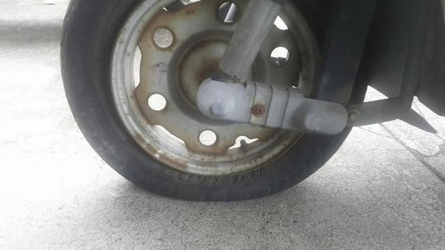 画像1: バイクの維持費の中でもタイヤは高額ですが……