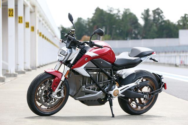 画像: Zero Motorcycles SR / F 免許区分:AT限定大型二輪免許・大型二輪免許 車両区分:(電動)大型自動二輪車 車検:免除 メーカー希望小売価格:税込330万円