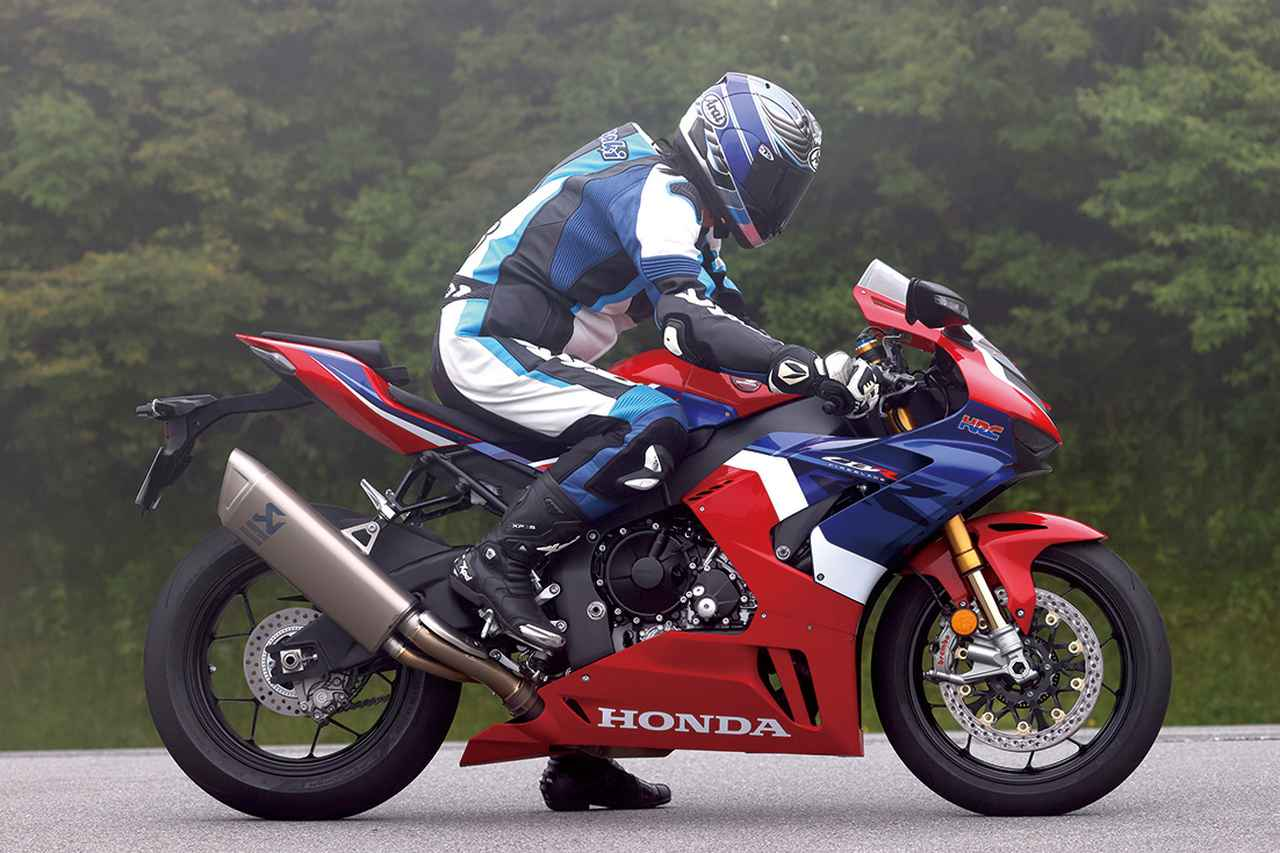 Images : 5番目の画像 - Honda CBR1000RR-R FIREBLADE SP - LAWRENCE - Motorcycle x Cars + α = Your Life.