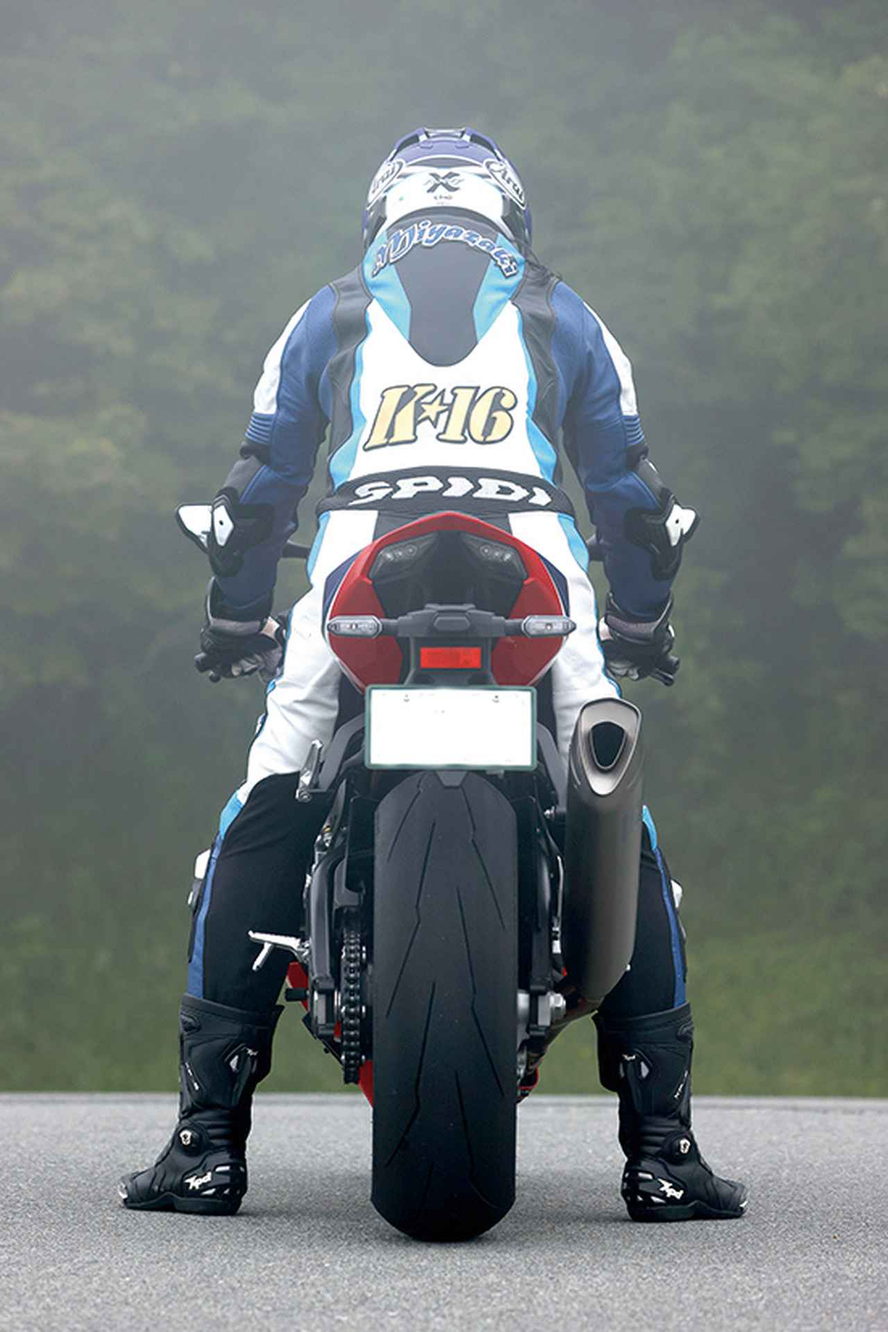 Images : 6番目の画像 - Honda CBR1000RR-R FIREBLADE SP - LAWRENCE - Motorcycle x Cars + α = Your Life.