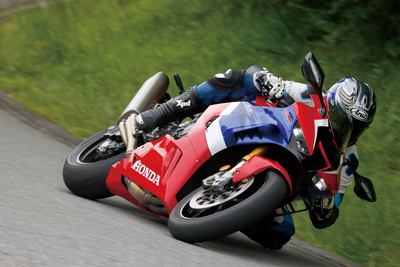 Images : 1番目の画像 - Honda CBR1000RR-R FIREBLADE SP - LAWRENCE - Motorcycle x Cars + α = Your Life.